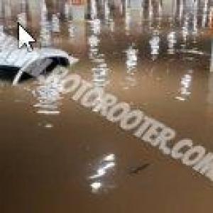 Serviço de sucção e bombeamento de áreas inundadas
